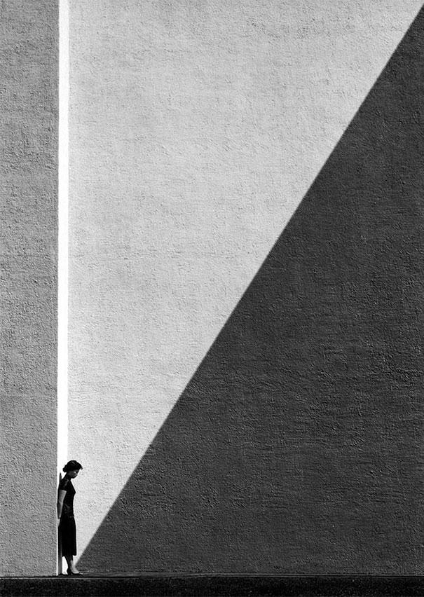 ho-fan-hong-kong-black-and-white-street-photography-10